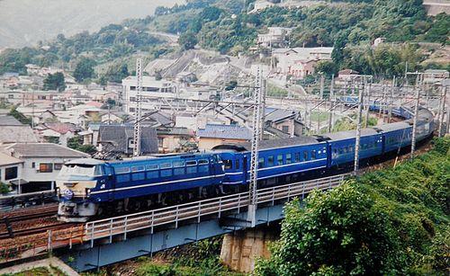 特急2列車「富士・はやぶさ」EF66 51[関](2006年10月15日・真鶴~湯河原間)