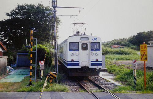 クモハ123-2(広セキ)(2001年7月29日・浜河内駅)2