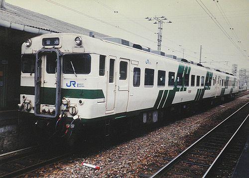 キハ28 2429(広クチ)(2003年6月・下関駅)