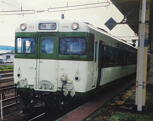 キハ58 23(秋アキ)快速「よねしろ」(2005年7月22日・大館駅)