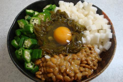 100505-020角切り長芋入りめかぶおくら納豆(縮小)