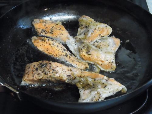 110417-010鮭のガーリックマーガリン焼(縮小)
