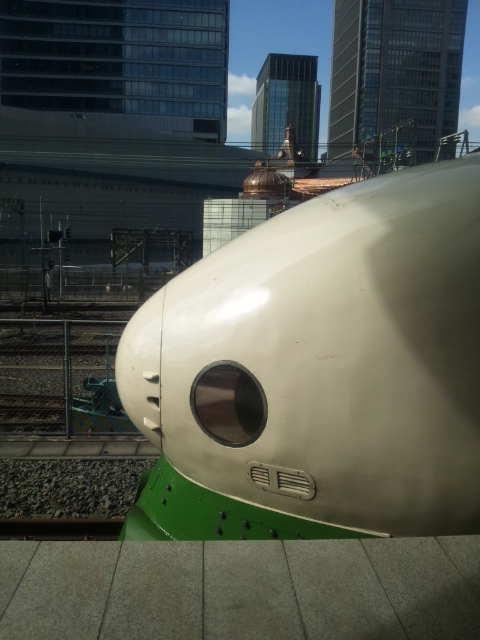 緑色の団子鼻