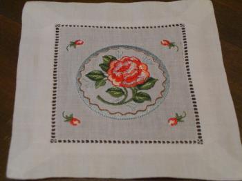 刺繍コースター バラ丸