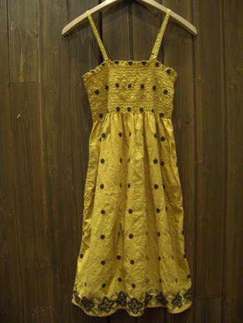 キャミワンピ 黄 刺繍