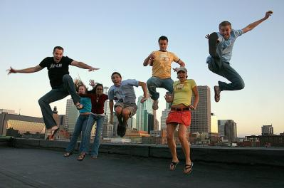 飛ぶ ジャンプ 人 集まる エキサイト