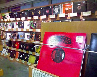 DMM アナログレコード 店 店内