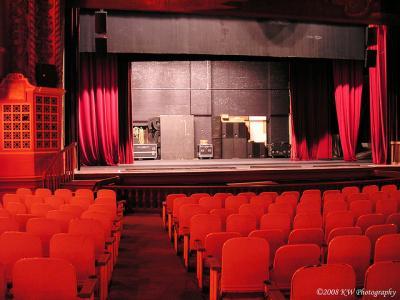 ステージ 客席 赤