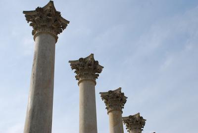 柱 遺跡 円柱 空 見上げる