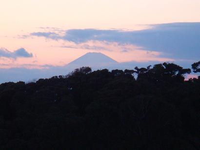 江の島から見える富士山