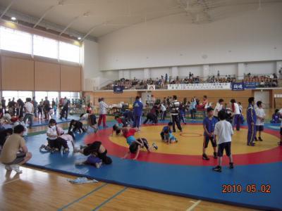 H22.5.2~3 少年レスリング北日本大会 002
