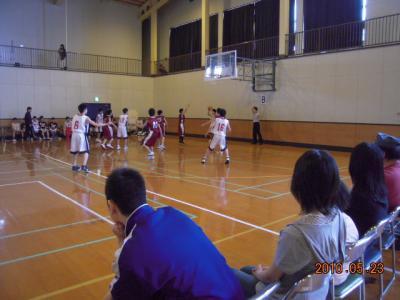 平成22年5月23日 八中バスケ練習試合 006