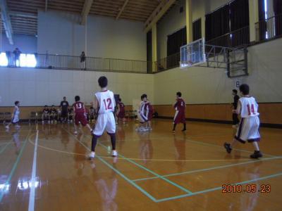 平成22年5月23日 八中バスケ練習試合 017