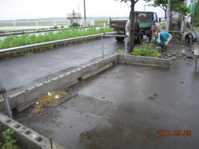 平成22年5月25日  国道店外溝フェンス工事 003
