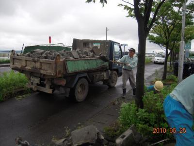 平成22年5月25日  国道店外溝フェンス工事 005