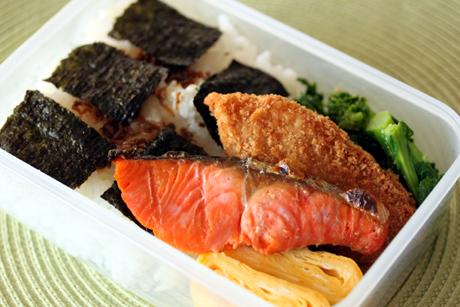 海苔鮭弁当3