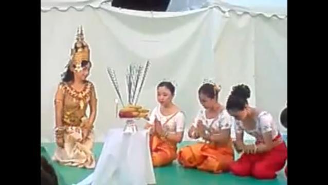 20100826  ougonhime  クメール宮廷舞踊前の祈りキャプ