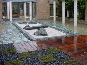 SOAS-roof-gdn-in-the-rain.jpg