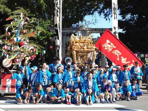 秋祭り 神社前