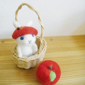20130108リンゴ帽子うさぎ
