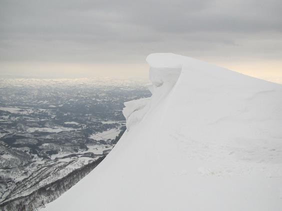 山頂部の雪屁