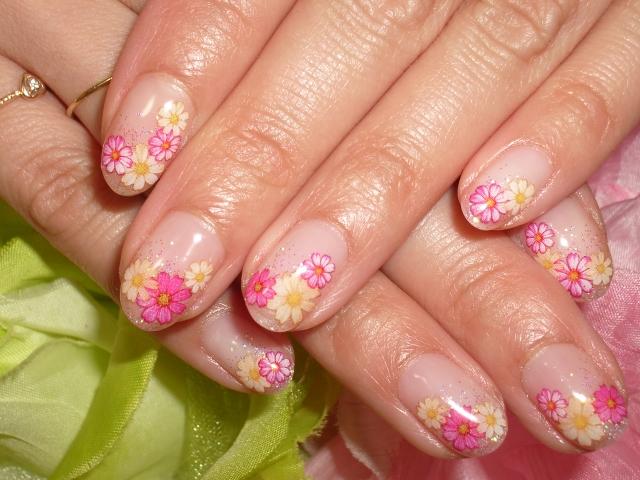 ラメグラデーション&お花ネイル