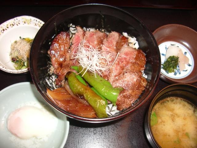 今半ステ-キ丼