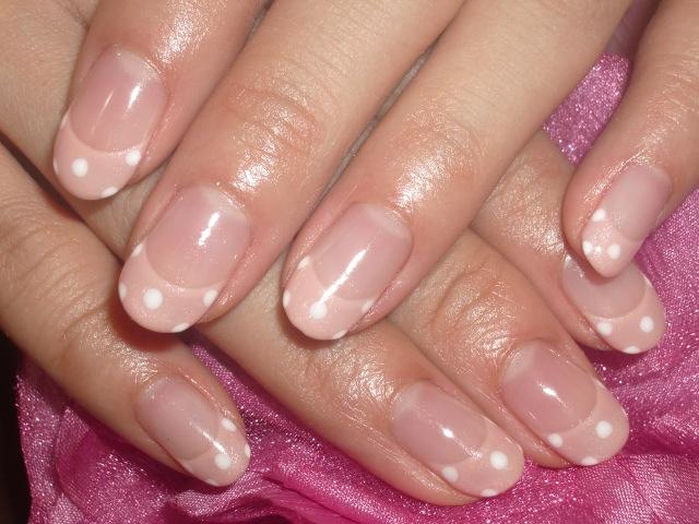 ピンク&白ラブリードットネイル