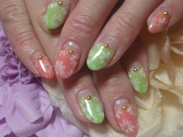 レトロワンピ風花柄ネイル