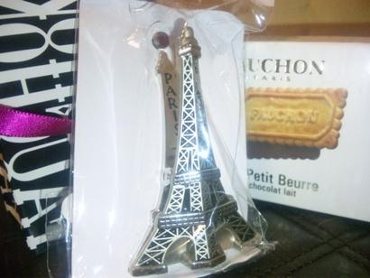 フランスのお土産 FAUCHON PARIS チョコレート クッキー エッフェル塔   マジーク上野店 鈴木雅子 110128