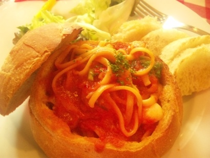 おいしいランチ 池袋東口 イタリアン パスタ パネスパ パレルモ フランスパン ネイルサロンマジーク池袋店 鈴木雅子110306