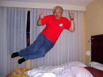 bed_jumping_04.jpg