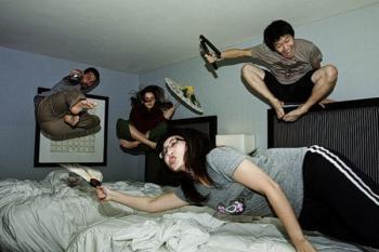 bed_jumping_09.jpg