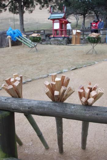 野上神社と松明