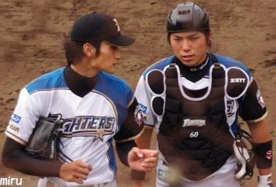 中村勝投手と荒張捕手