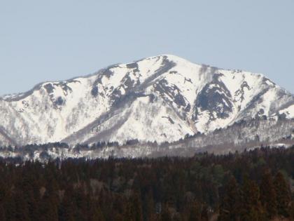 石徹白から見る雪山