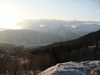 帰りの雲のかかった山
