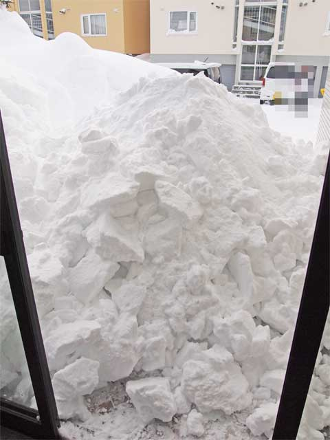 2012恐怖の積雪量01