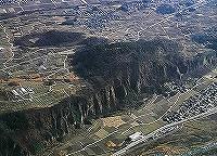 新府城跡の航空写真