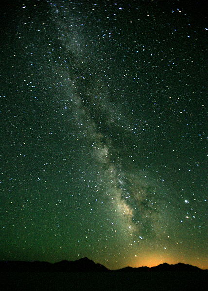 428px-Under_the_Milky_Way.jpg
