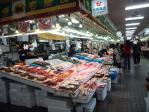 クリックで拡大 八食センター 市場
