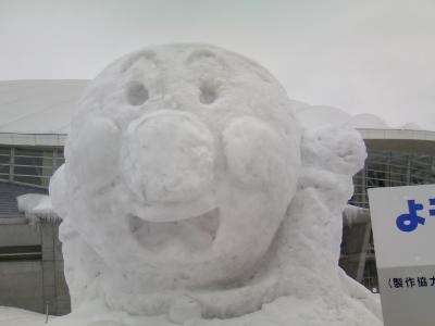 雪像 アンパンマン