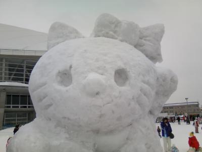 雪像 キティちゃん