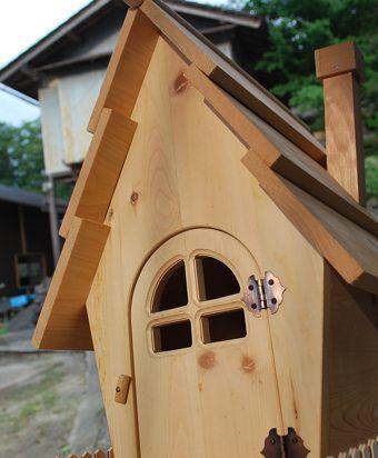 ペイント前小屋ドアアップ