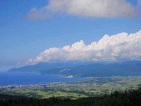 ニセコパノラマラインから積丹半島を望む