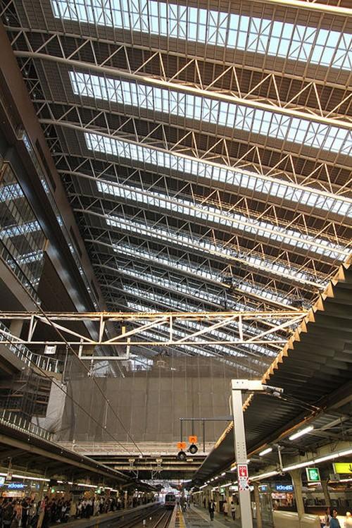 3大阪駅内部