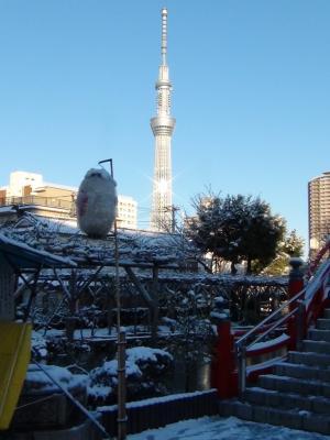 雪の東京スカイツリー