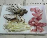 豚肉ときのこ類のバターしょうゆ炒め1