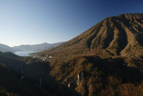 中禅寺湖 華厳の滝 男体山
