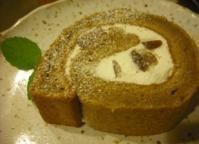 コーヒーと渋皮栗のロールケーキ